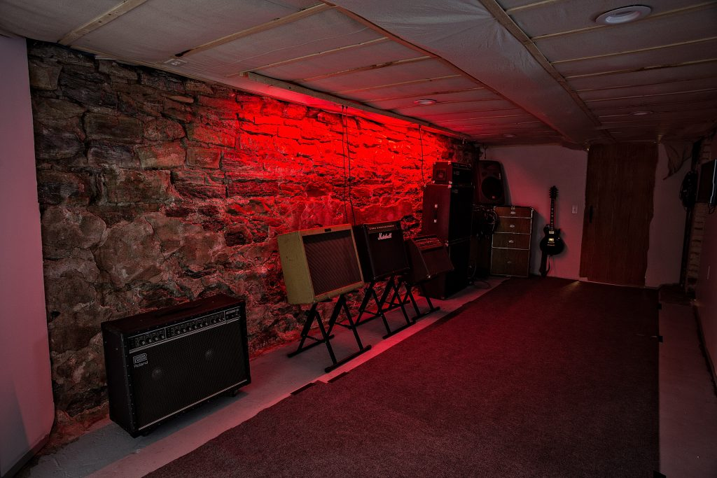 Studio-West-Dark-IMG_4483-1024x683